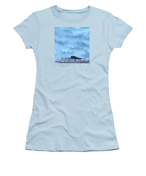 Black Crab In The Blue Ocean Spray Women's T-Shirt (Athletic Fit)
