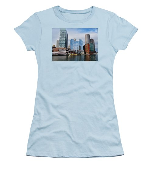 Boston Skyline I Women's T-Shirt (Athletic Fit)