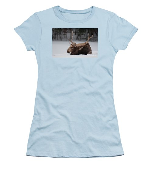 Chillin' Women's T-Shirt (Athletic Fit)