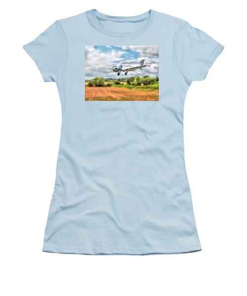 Dakota - Cleared To Land Women's T-Shirt (Junior Cut) by Paul Gulliver