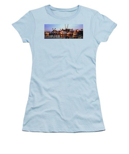 Women's T-Shirt (Junior Cut) featuring the photograph Daytona Sonny Boy And Miss Hazel by Tom Jelen