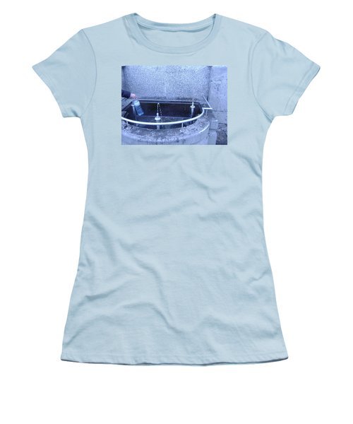 Fresh Water Women's T-Shirt (Athletic Fit)