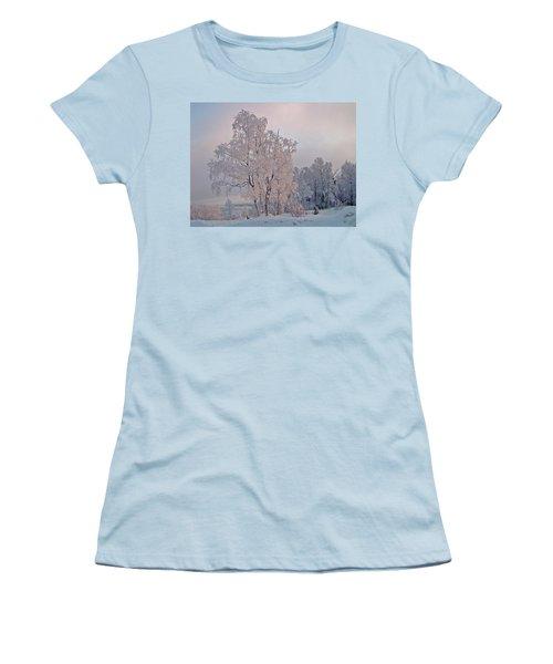 Women's T-Shirt (Junior Cut) featuring the photograph Frozen Moment by Jeremy Rhoades