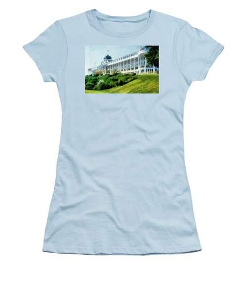 Grand Hotel Mackinac Island Ll Women's T-Shirt (Athletic Fit)