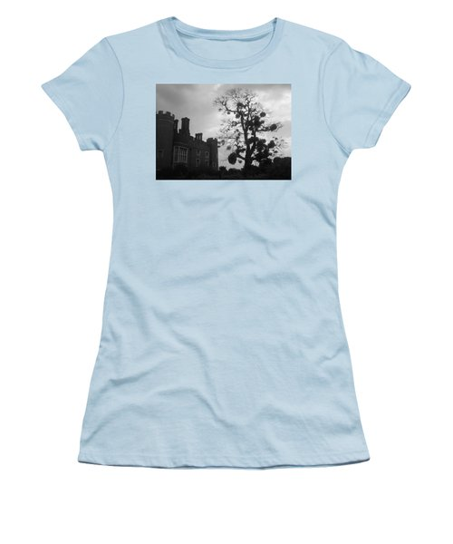 Hampton Court Tree Women's T-Shirt (Athletic Fit)