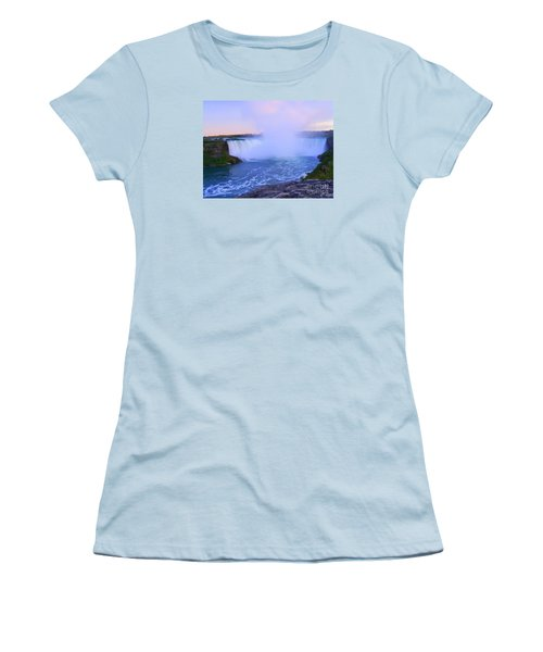 Horseshoe Falls Sunset In The Summer Women's T-Shirt (Junior Cut) by Lingfai Leung