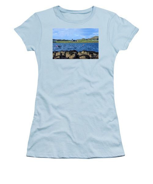 Iona Abbey Isle Of Iona Women's T-Shirt (Athletic Fit)