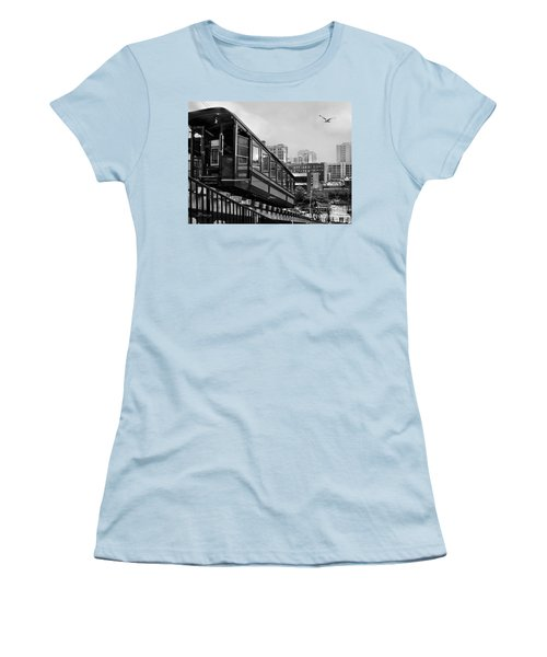 Los Angeles Angels Flight.bw Women's T-Shirt (Athletic Fit)