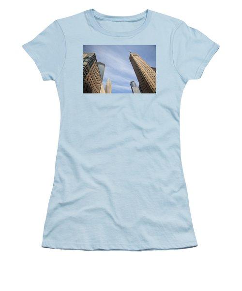 Minneapolis Skyline Women's T-Shirt (Athletic Fit)