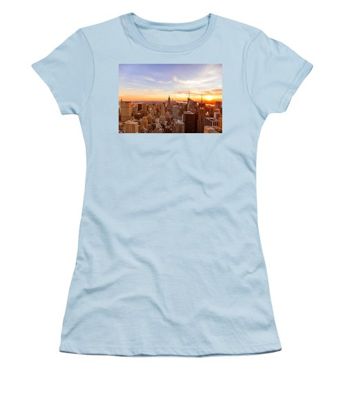 New York City - Sunset Skyline Women's T-Shirt (Athletic Fit)