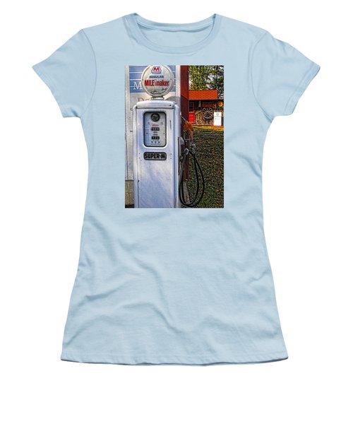 Old Marathon Gas Pump Women's T-Shirt (Athletic Fit)
