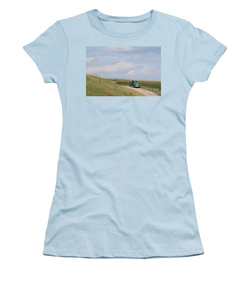 Old Truck Women's T-Shirt (Athletic Fit)