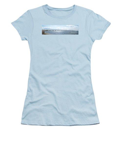 Oresundsbron Panorama 01 Women's T-Shirt (Athletic Fit)