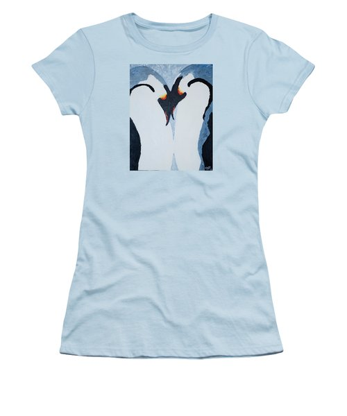 Penguin Love Women's T-Shirt (Athletic Fit)
