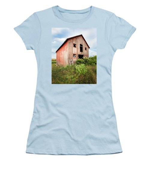 Women's T-Shirt (Junior Cut) featuring the photograph Red Shack On Tucker Rd - Vertical Composition by Gary Heller