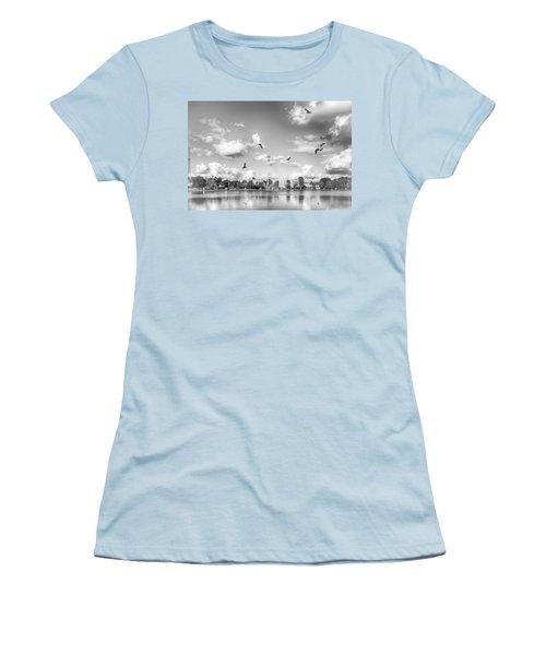 Seagulls Women's T-Shirt (Athletic Fit)