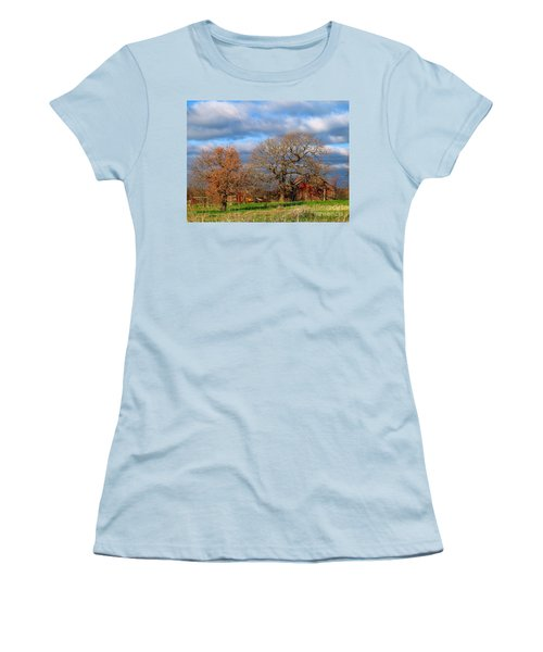 Simple Hideaway  Women's T-Shirt (Athletic Fit)
