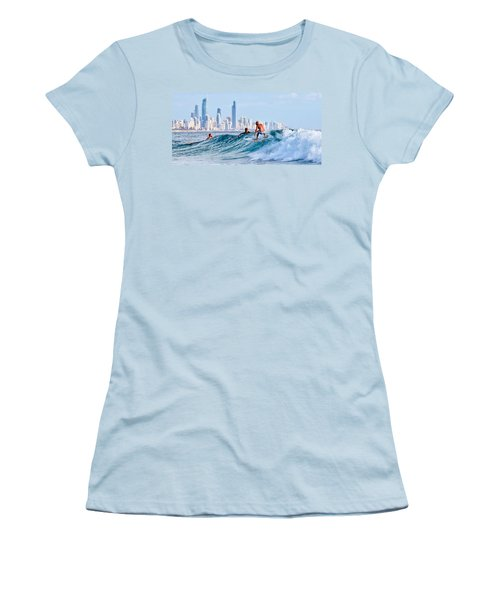 Surfing Burleigh Women's T-Shirt (Athletic Fit)