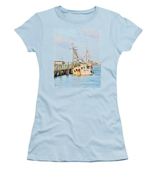 The New Hope Sunken Ship - Ocean City Maryland Women's T-Shirt (Athletic Fit)