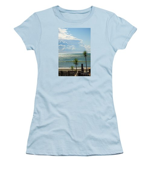 The Three Palms Women's T-Shirt (Athletic Fit)