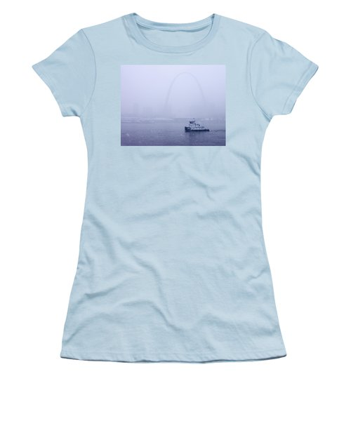 Towboat Working In The Snow St Louis Women's T-Shirt (Junior Cut) by Garry McMichael