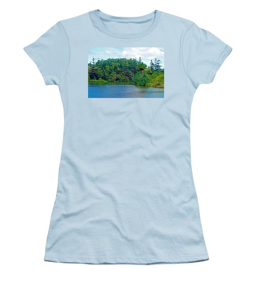 Waoleke Pond Forest Women's T-Shirt (Athletic Fit)
