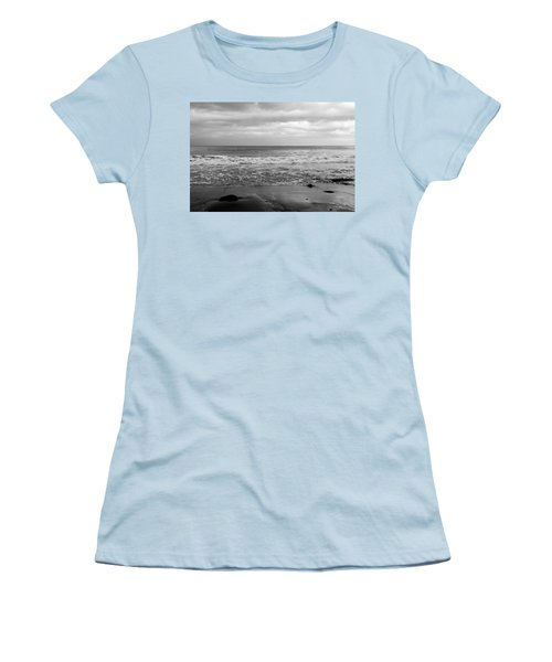 Waves Rolling In  Women's T-Shirt (Athletic Fit)