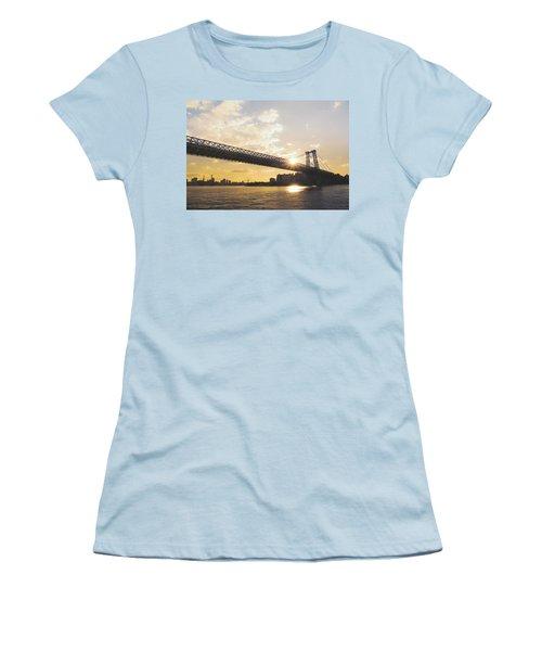 Williamsburg Bridge - Sunset - New York City Women's T-Shirt (Athletic Fit)