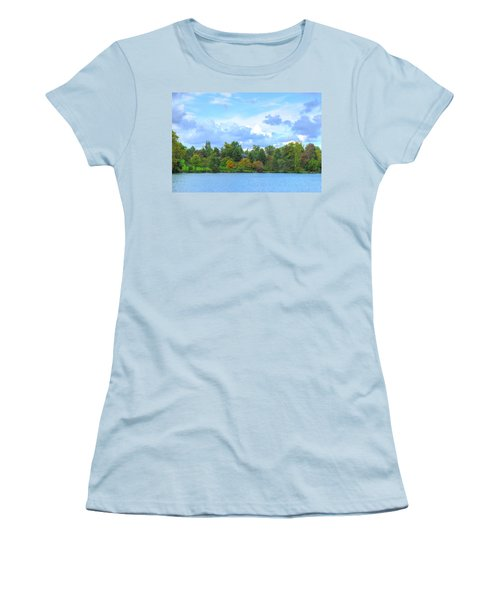 Women's T-Shirt (Junior Cut) featuring the photograph Autumn's Beauty At Hoyt Lake by Michael Frank Jr