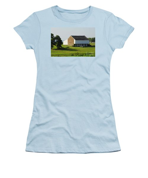 Women's T-Shirt (Junior Cut) featuring the photograph Brian Barn At Gettysburg by Cindy Manero