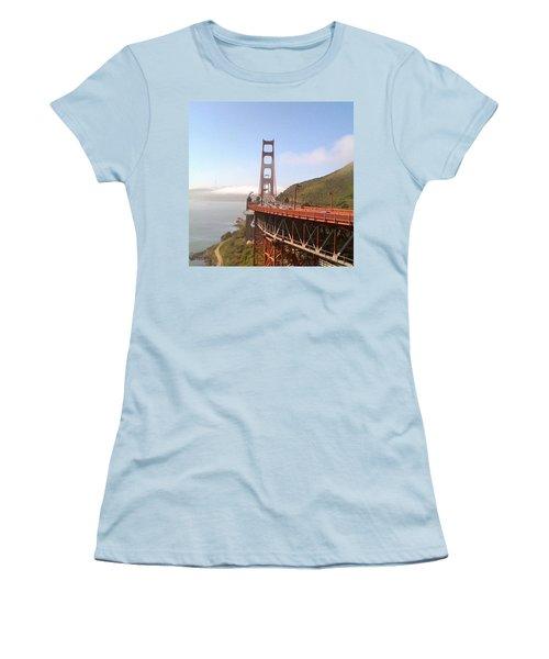 Golden Gate Bridge - San Francisco Ca Women's T-Shirt (Athletic Fit)