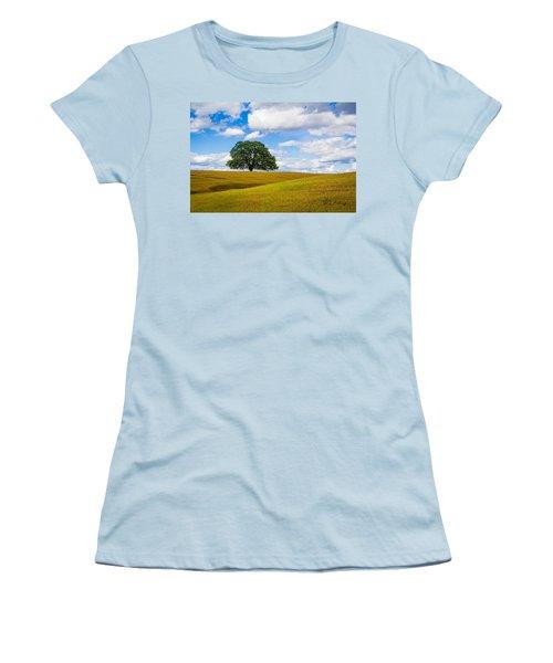 Lone Oak Women's T-Shirt (Athletic Fit)