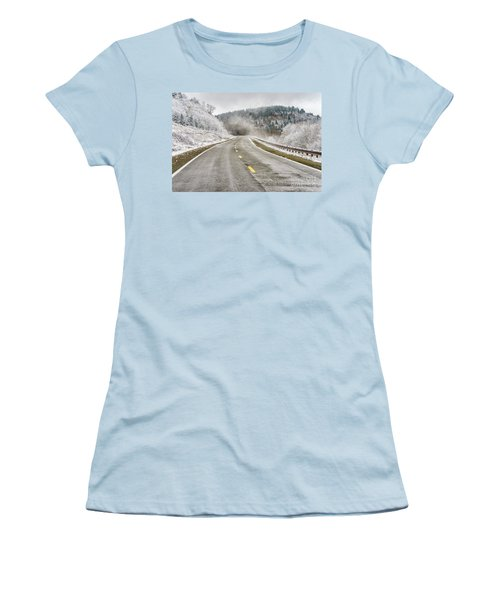 Women's T-Shirt (Junior Cut) featuring the photograph Unexpected Autumn Snow Highland Scenic Highway by Thomas R Fletcher
