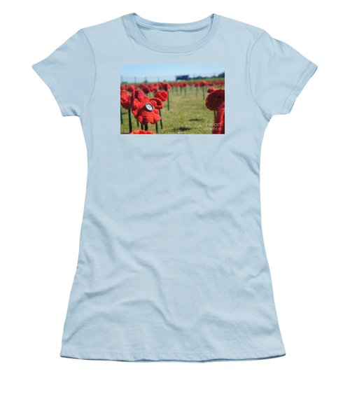 5000 Poppies Women's T-Shirt (Junior Cut) by Therese Alcorn