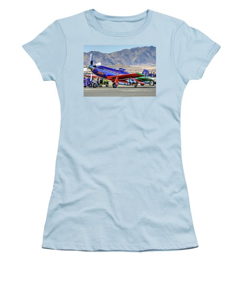 A Closer Look At Voodoo Engine Start Sundays Unlimited Gold Race Women's T-Shirt (Athletic Fit)