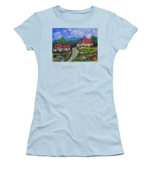 Abandoned Farm Women's T-Shirt (Junior Cut)