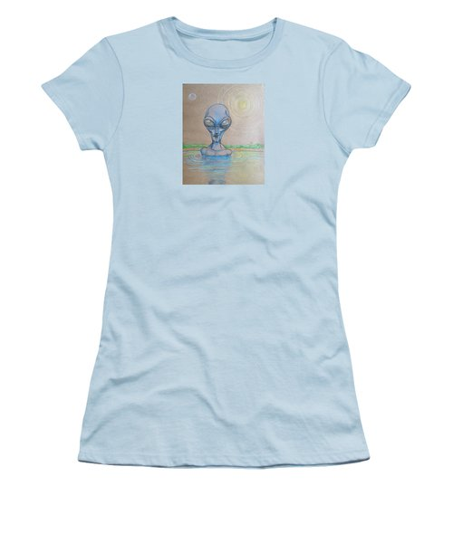 Alien Submerged Women's T-Shirt (Junior Cut)