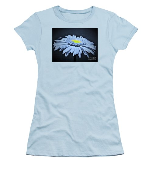 Artic Blue Gerber Daisy Women's T-Shirt (Athletic Fit)