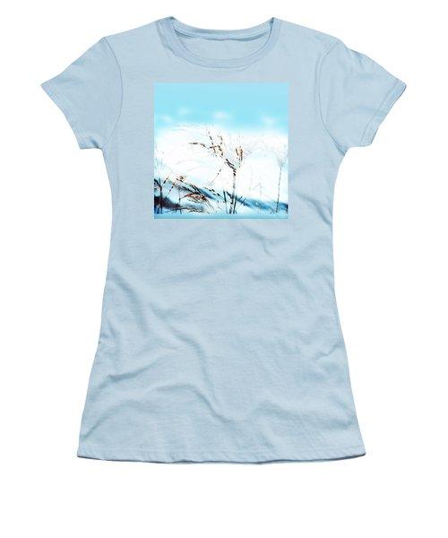 Blending In Women's T-Shirt (Athletic Fit)