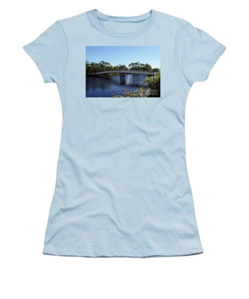 Western Lake Bridge Women's T-Shirt (Athletic Fit)