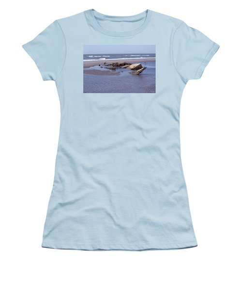Bull Island 1 Women's T-Shirt (Athletic Fit)