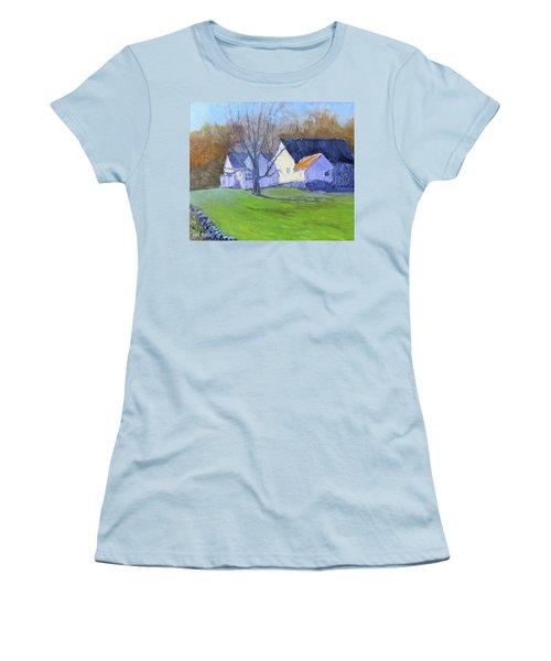 Burton Farm Women's T-Shirt (Athletic Fit)