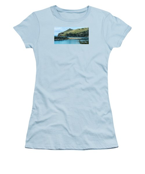 Cascade Head Panorama Women's T-Shirt (Athletic Fit)