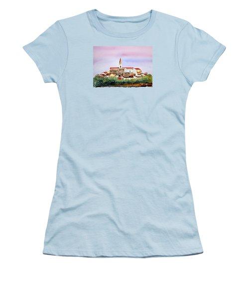 Castelnuovo Della Daunia Women's T-Shirt (Athletic Fit)