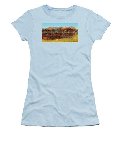 Chesapeake Bay Crabbing Women's T-Shirt (Athletic Fit)