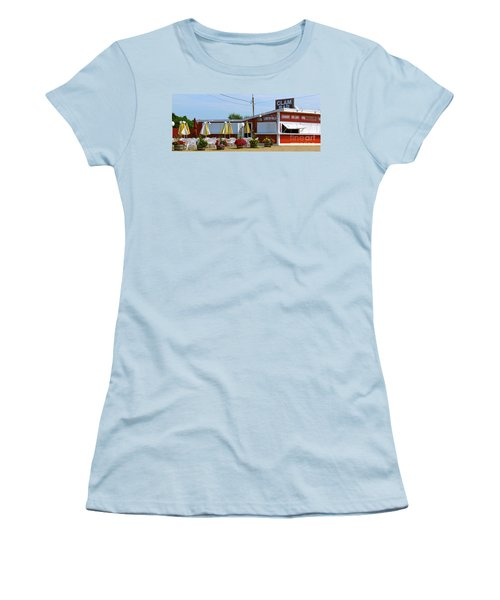 Clam Bar Women's T-Shirt (Athletic Fit)