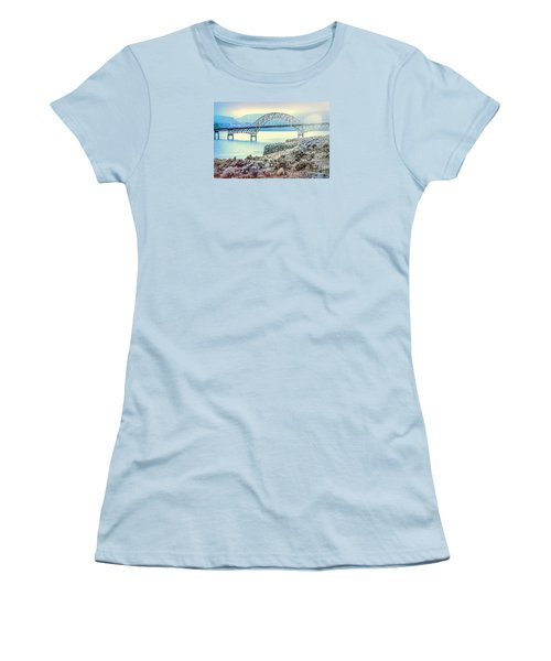 Columbia River Vantage Bridge Women's T-Shirt (Athletic Fit)