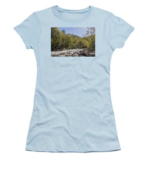 Crooked Tree Curve Women's T-Shirt (Athletic Fit)