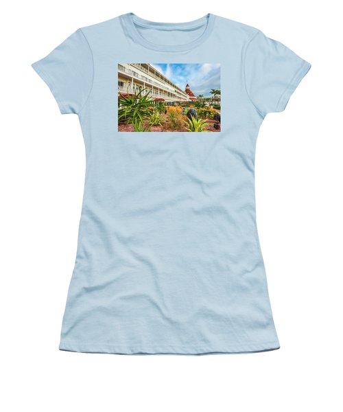 Desert Del Women's T-Shirt (Athletic Fit)
