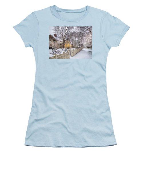 Early Massachusetts Women's T-Shirt (Athletic Fit)